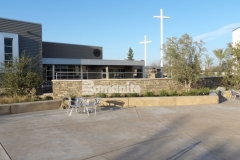 Bomanite Sandscape Refined Antico decorative concrete is featured in this courtyard area and was chosen as the hardscape surface to create a harmonious connection between the various gathering spaces at CrossCity Christian Church.
